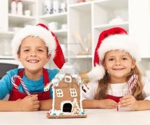 Radi-svētku-prieku-arī-bērniem,-kopīgiem-spēkiem-izgatavojot-dekorus