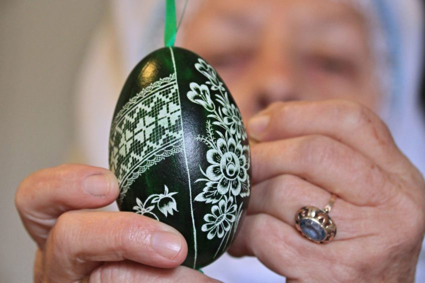 CZECH-TRADITION-EASTER-EGGS